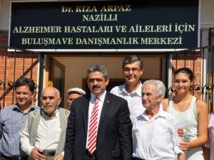 Nazilli Belediye Başkanı Haluk Alıcık, Alzheimer Hastalarını Unutmadı