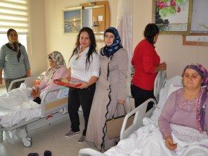 Din Görevlileri Hastaları Ziyaret Etti