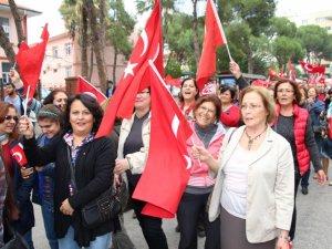 'Bayrağına Sahip Çık' Yürüyüşü Düzenlendi
