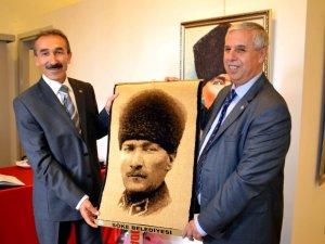 Söke'de Yağlı Boya Atatürk Resimleri Sergisi Açıldı