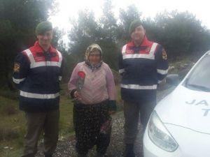 Jandarma'dan Annelere Karanfil