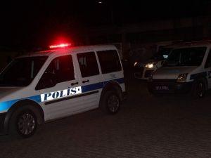Erkekler Kavga Etti, Yoldan Geçen Kadın Yaralandı