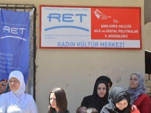 Viranşehir'de Ret Vakfının Giyim Sergisi