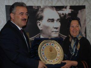 Aydın'da Yılın Ahisi Ödüllendirildi
