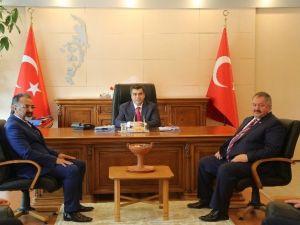 Vali Düzgün, Kosb Başkanı Tahir Nursaçan'ı Kabul Etti