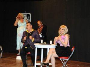 'Mühendisin Penceresinden Aşk' Oyunu Diyarbakır Ve Mardin'de Sahne Alacak