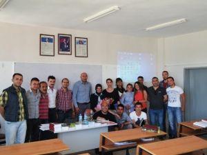 Elmalı MYO Öğrencilerine, Örtü Altı Yetiştiriciliğinde Yabancı Otlar Anlatıldı