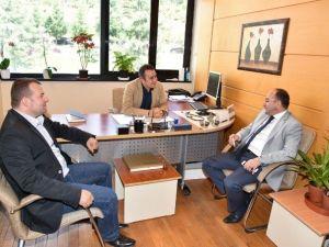 Başkan Üzülmez, KOÜ Hastanesi'ni Ziyaret Etti