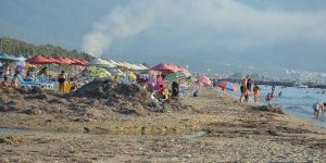 Davutlar Plajı'nın bakımsızlığı üzüyor