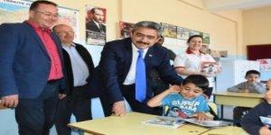 Başkan Alıcık'tan çocuklara 23 Nisan hediyesi
