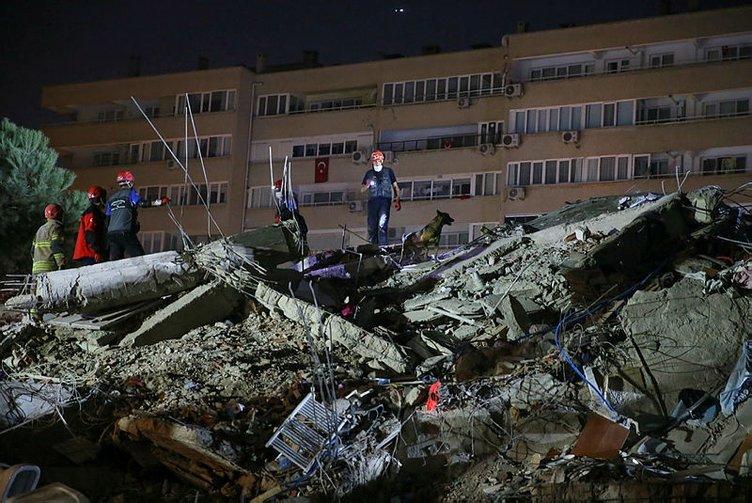 0x0-son-dakika-haberi-izmirdeki-depremin-ardindan-yarali-sayisi-500u-asti-enkaz-altindakileri-arama-calismalari-suruyor-1604082654254.jpg