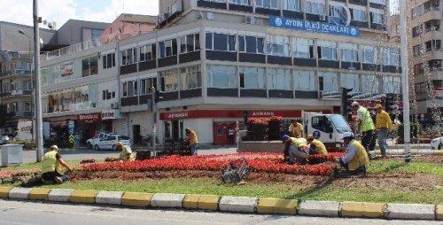 Seçim Biti İstasyon Meydanı Bakıma Alındı